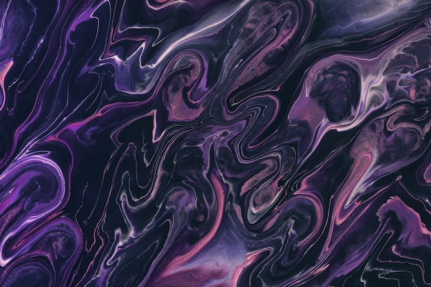 Pintura acrílica fluida fluida abstrata nas cores roxo e preto escuro com fundo gradiente violeta