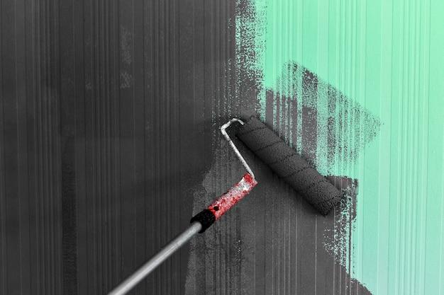 Pintura com escova de rolo