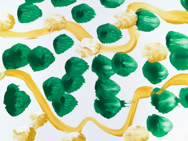 Pintura com pontos verdes e linhas amarelas