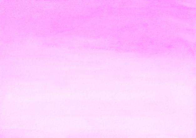 Pintura de fundo rosa suave em aquarela. pano de fundo líquido aquarela luz fúcsia. manchas na textura do papel.