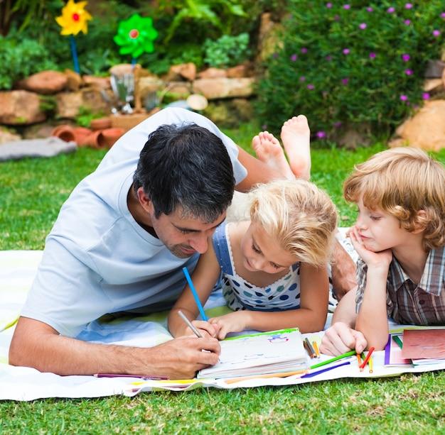 Pintura do pai com seus filhos
