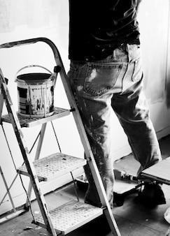 Pintura interior de renovação interior de quarto