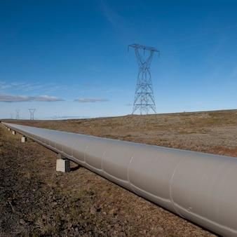 Pipeline através do campo com pilão elétrico