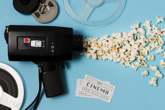 Pipoca e equipamento de cinema