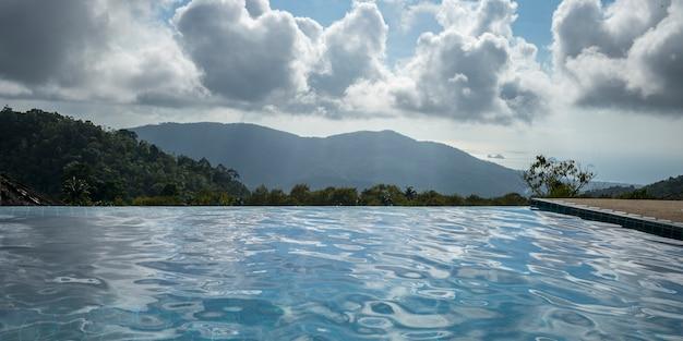 Piscina, com, montanhas, em, fundo, koh samui, surat thani, província, tailandia