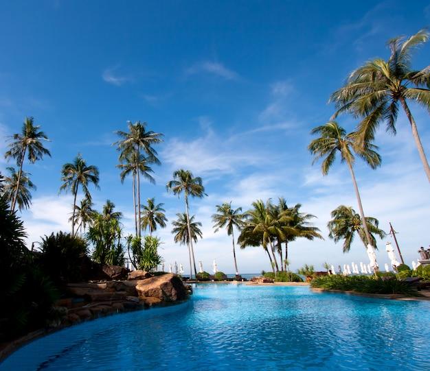 Piscina do hotel resort
