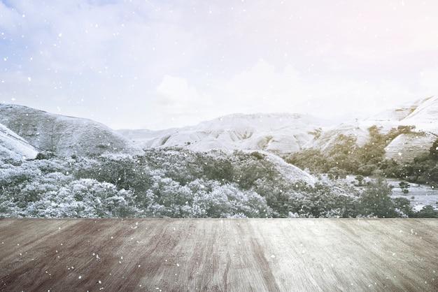 Piso de madeira com vista para a montanha de neve