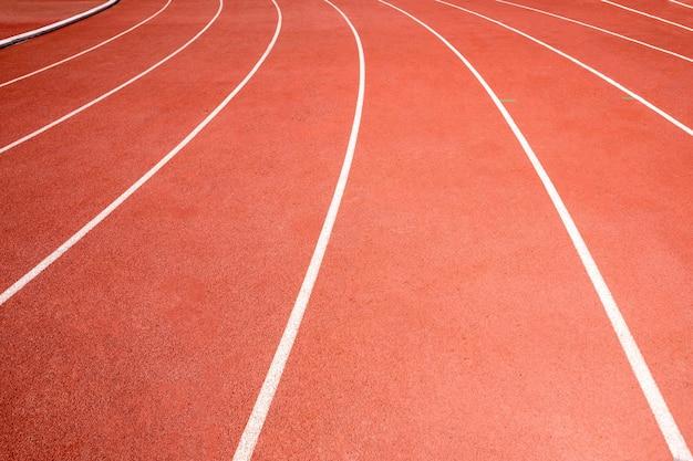 Pista de corrida vermelha no estádio atlético