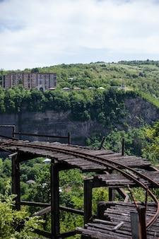 Pista de mineração abandonada