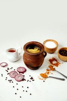Piti tradicional em cima da mesa