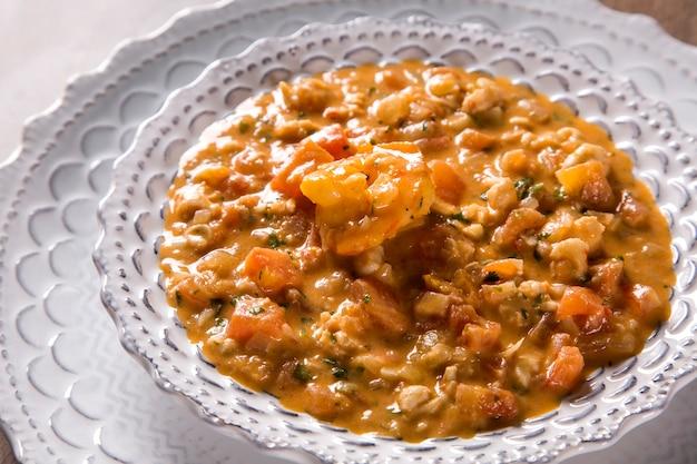 Pitu com alho e azeite, uma espécie de crustáceo delicioso!
