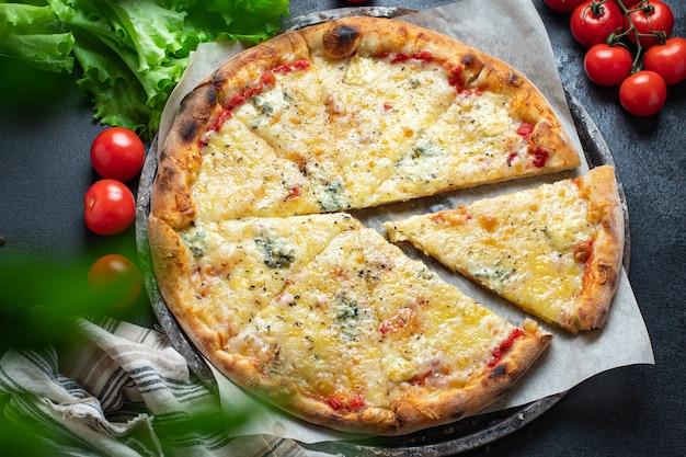 Pizza com queijo 4 tipos variados de ingredientes para fast food