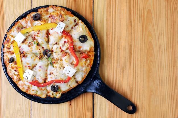 Pizza de vista superior foto com espaço de texto