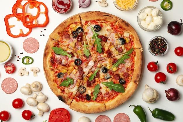 Pizza e ingredientes