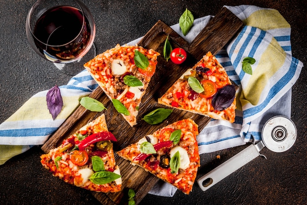 Pizza e vinho tinto