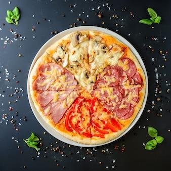 Pizza italiana em um fundo escuro