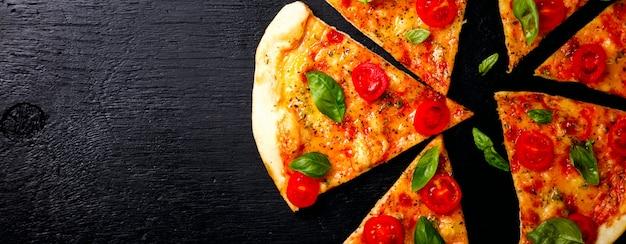 Pizza margarita com mussarela