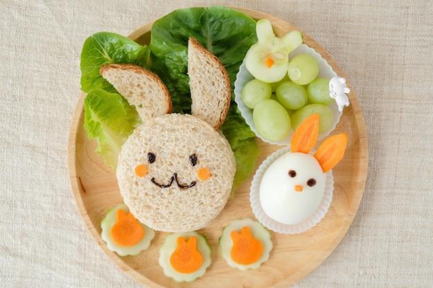 Placa de almoço coelho coelho, divertido arte de comida para crianças