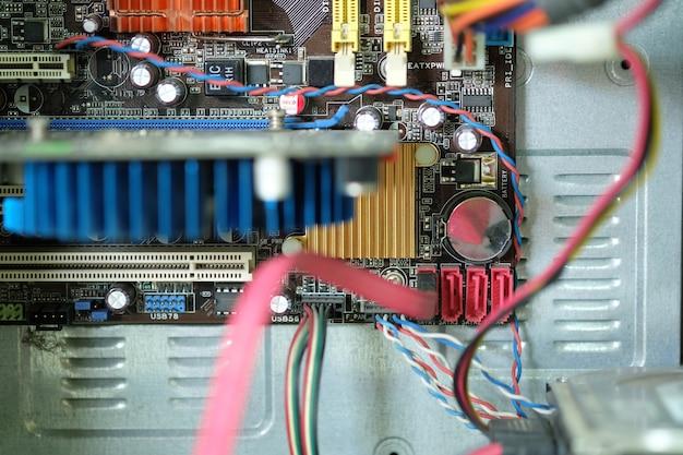 Placa de circuito carregada