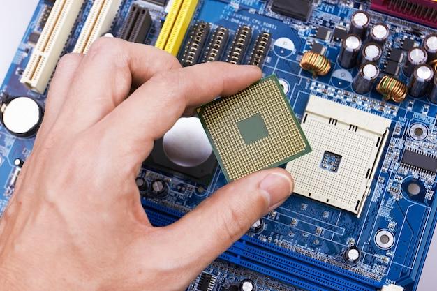 Placa de circuito eletrônico, instalação do processador