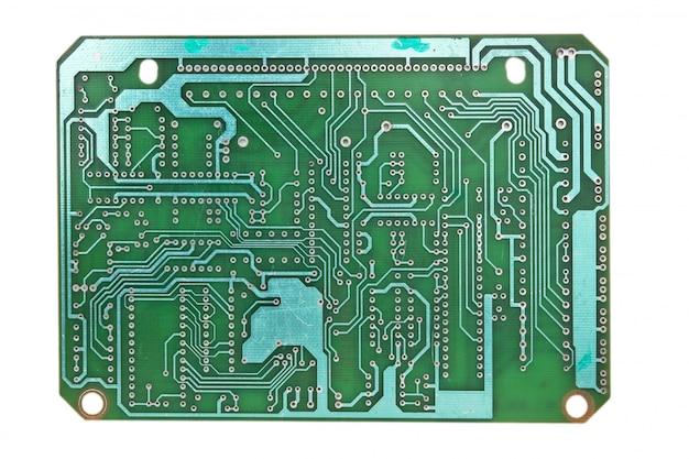 Placa de circuito impresso isolada no fundo branco