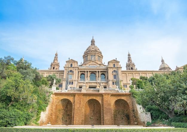Plaça de espanya, o museu nacional de barcelona. espanha