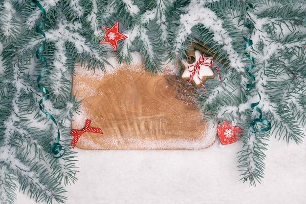 Placa de inverno com decorações de natal, espaço de texto