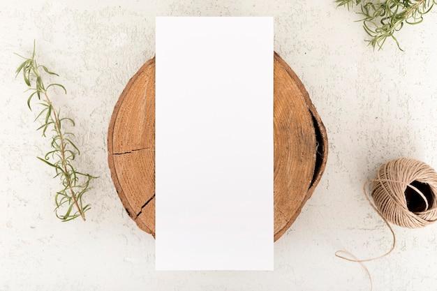 Placa de madeira vista superior com espaço de cópia