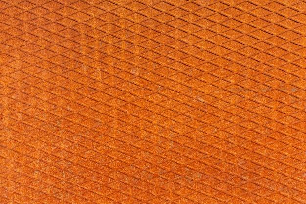 Placa de metal com parede de ferro enferrujado com corrosão