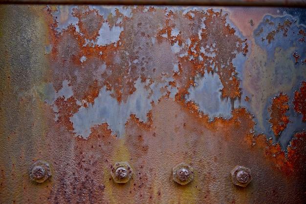 Placa de metal oxidado