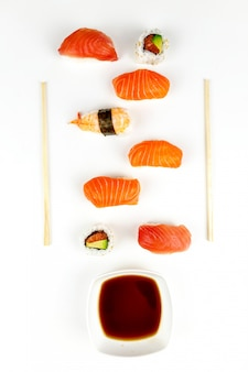 Placa de sushi ons branco