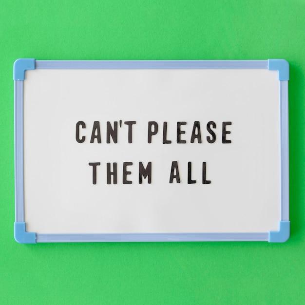 Placa de texto plana sobre fundo verde