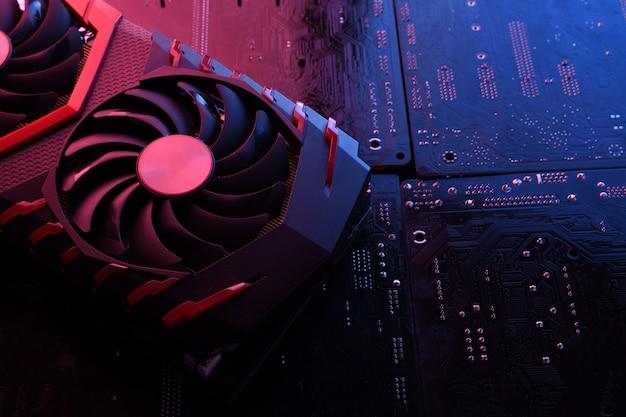 Placa gráfica de jogo de computador, placa de vídeo com dois coolers no fundo da placa de circuito