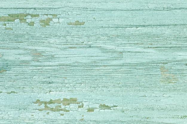 Placa larga com tinta descascada verde