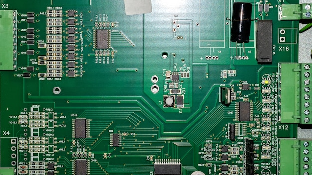 Placa-mãe com o processador e o resistor para o quadro de informações