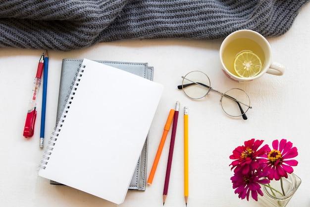 Planejador de notebook para trabalho de negócios e tricô