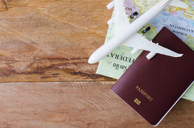 Planejamento de turismo e equipamentos necessários para a viagem.