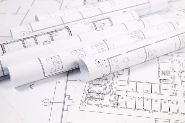 Plano arquitectónico. desenhos da casa de engenharia, pancil e blueprints.