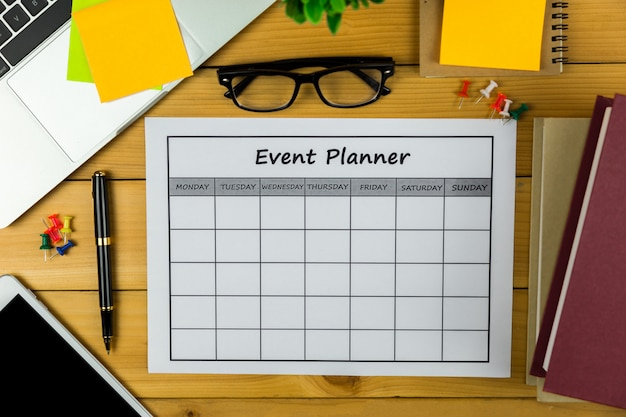 Plano de eventos fazendo negócios ou atividades mensalmente.