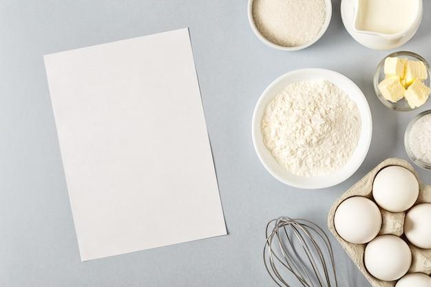 Plano de fundo com ingredientes para cozinhar, assar, planta plana, vista superior.