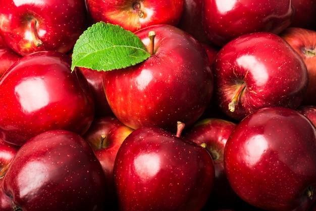 Plano de fundo de maçãs vermelhas close-up