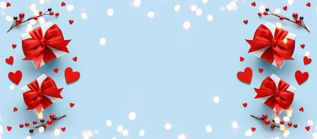 Plano de fundo dia dos namorados. caixa de presente em fundo branco.