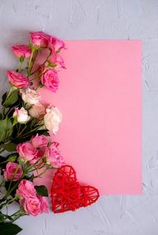 Plano de fundo dia dos namorados. rosas em rosa pastel