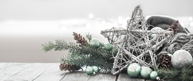 Plano de fundo festivo de ano novo em uma atmosfera caseira.
