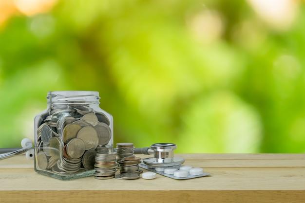 Planos de poupança para cuidados de saúde e medicina, conceito financeiro