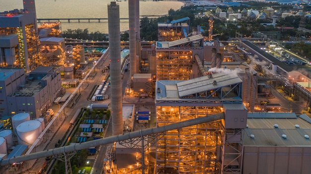 Planta de aço, planta metalúrgica, fábrica metalúrgica da fabricação de aço, vista aérea.