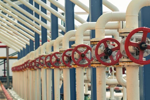 Planta de processamento de fluxo de transferência da indústria de petróleo e gás com válvulas de tubulação