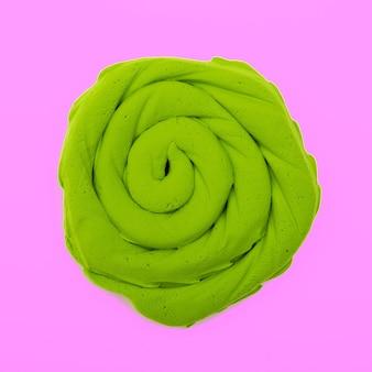 Plasticina verde cachos arte em cores mínimas