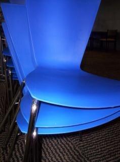 Plástico azul e cromado