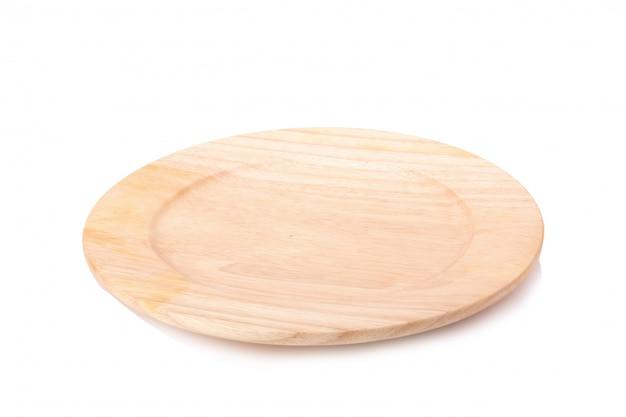 Plat de madeira isolado no fundo branco